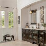 bathroom-cabinets-in- Kennesaw-ga-black-shiny-vanity